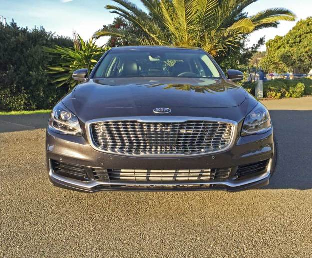 Kia-K900-Luxury-Nose