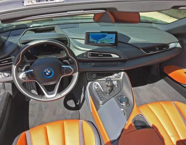 BMW-i8-Roadster-Dsh