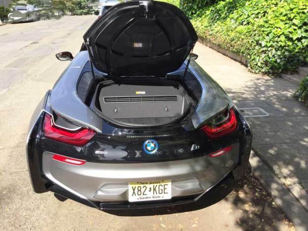 BMW-i8-Roadster-Trnk