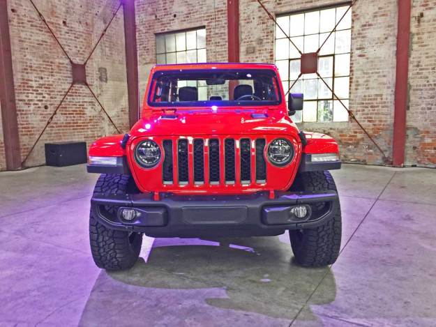 Jeep-Gladiator-Rubicon-Nose