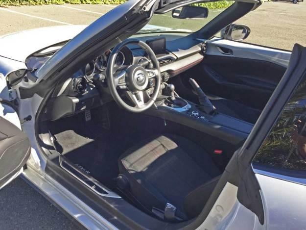 Mazda-MX-5-Miata-Club-RF-Int