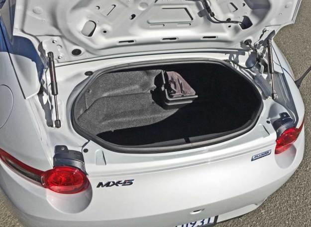 Mazda-MX-5-Miata-Club-RF-Trnk