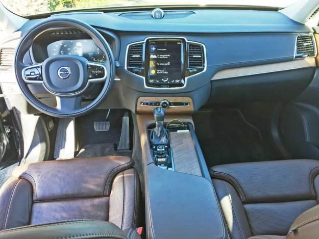 Volvo-XC90-T6-Inscp-Dsh