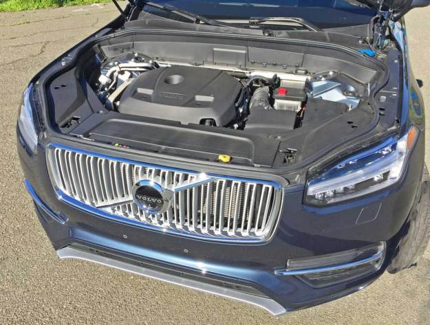 Volvo-XC90-T6-Inscp-Eng