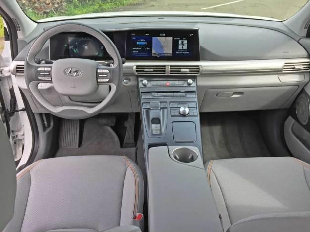 Hyundai-NEXO-FCEV-Dsh