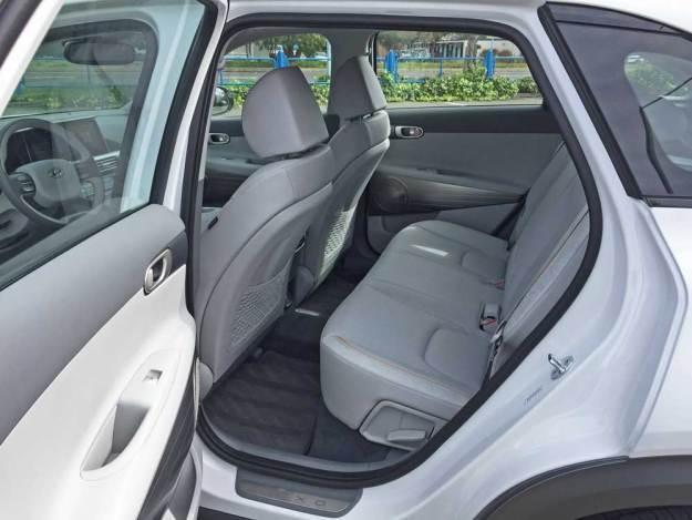 Hyundai-NEXO-FCEV-RInt