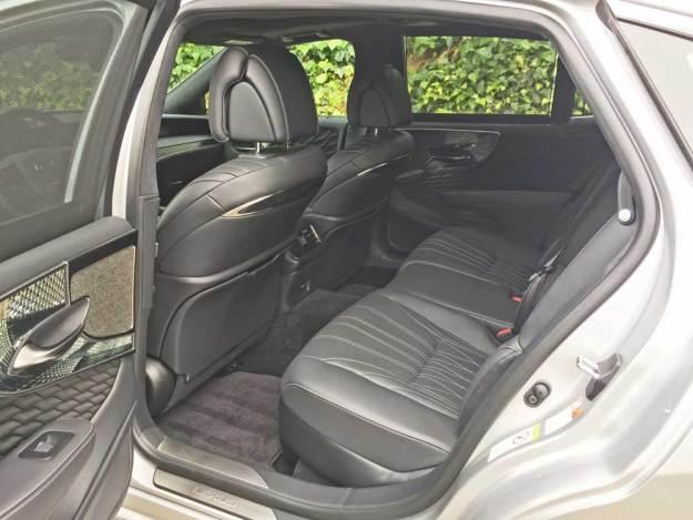 Lexus-LS-500-RInt