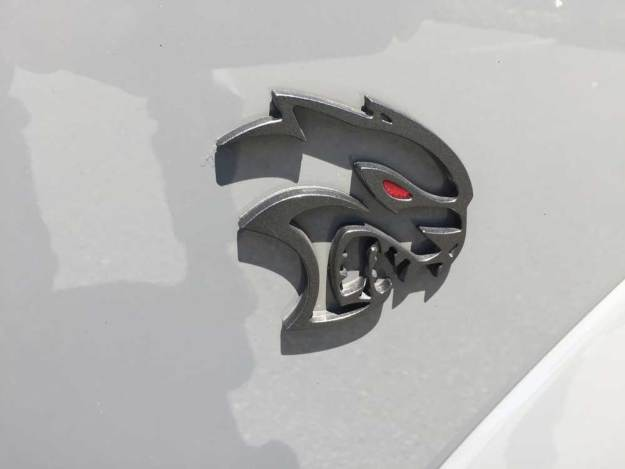 https://i1.wp.com/testmiles.com/wp-content/uploads/2019/09/Dodge-Challenger-SRT-Hellcat-Redeye-Logo.jpg?resize=625%2C469&ssl=1