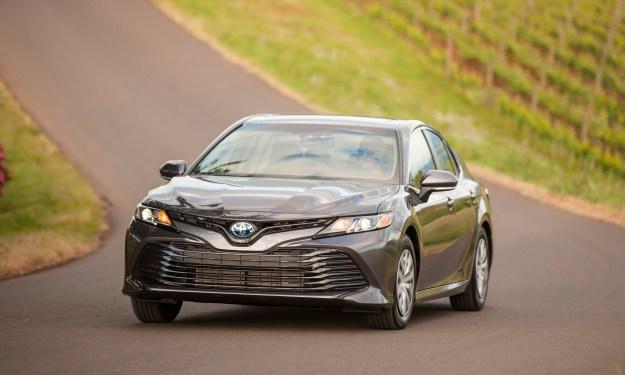 2020 Toyota Camry LE Hybrid