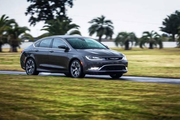 2015-Chrysler-200-Driving