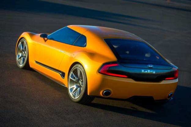 Kia-GT4-Stinger-Concept-Side