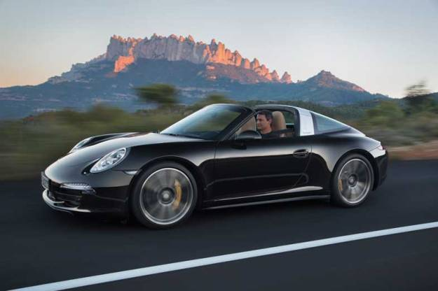 Porsche-911-Targa-Black-Driving-