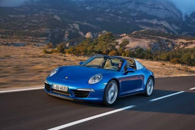 Porsche-911-Targa-Blue-Driving-