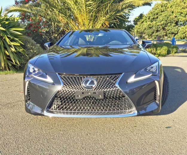 Lexus-LC-500-Coupe-Nose