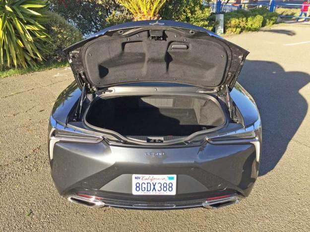 Lexus-LC-500-Coupe-Trnk