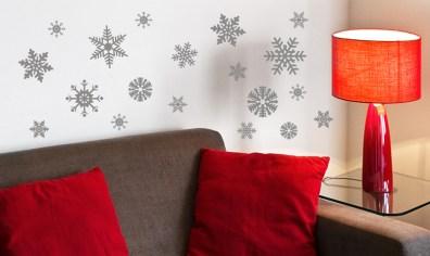 Adhésifs muraux Flocons argentées de la Reine des Neige http://www.wallsweethome.fr/fr/stickers-muraux/stickers-fetes/stickers-noel-flocon-argent/