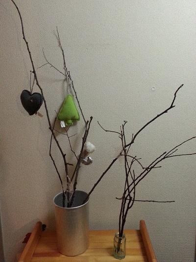 枝ツリーの飾り付けは材料費0円で十分?!