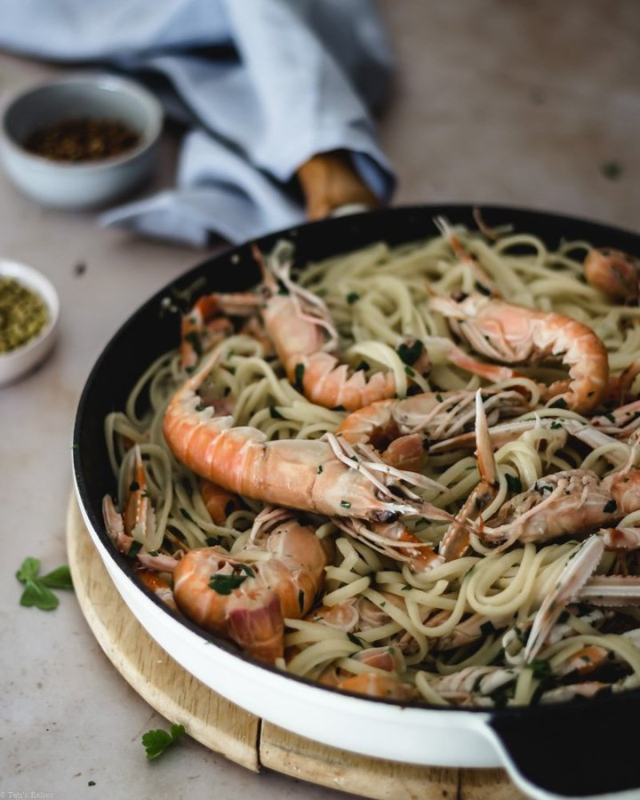 white crayfish linguine