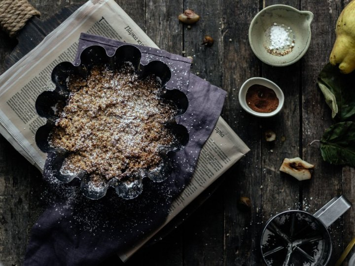 θρυμματισμένο κέικ με αχλάδια
