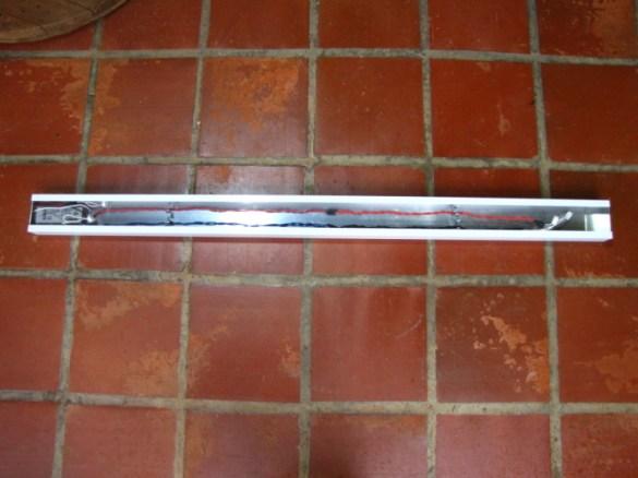 Instalação da fiação elétrica no perfil de alumínio