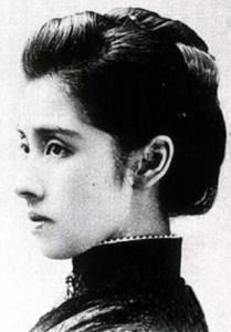 陸奥亮子夫人