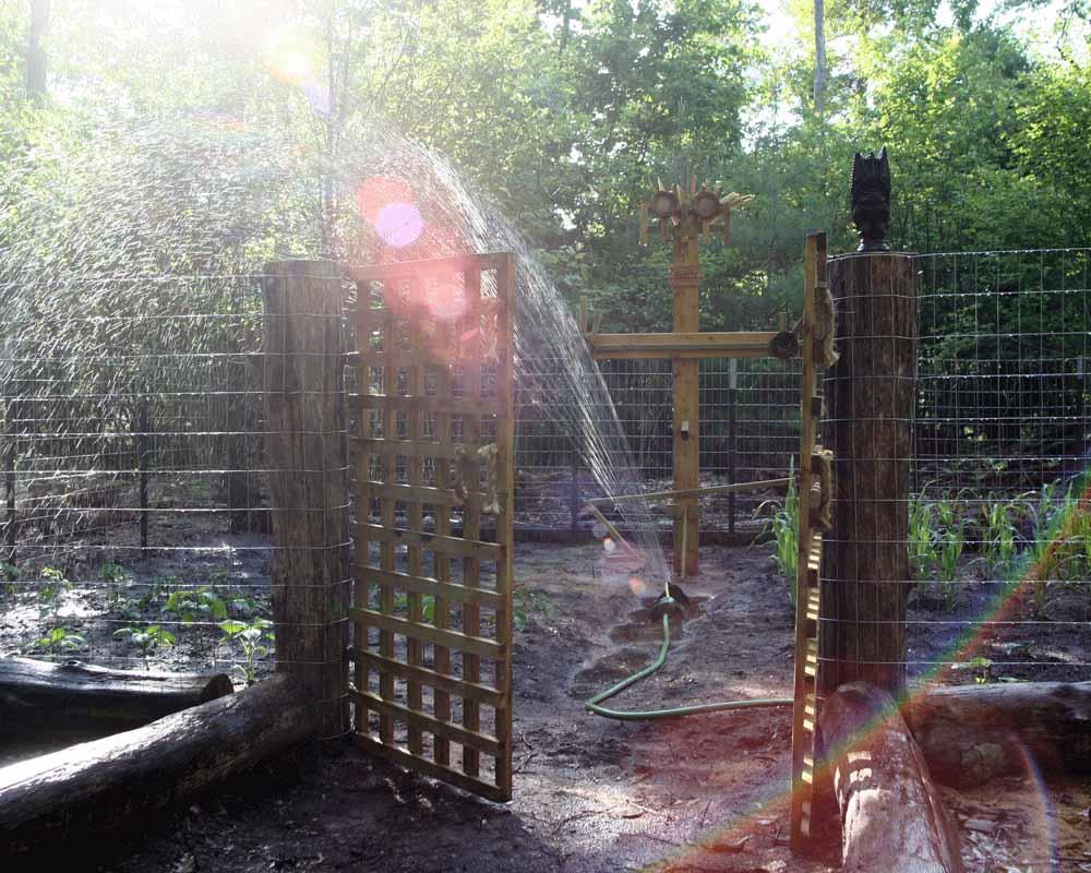A Gateway To The Garden ...