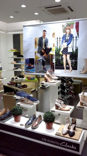 CLARKS ESCAPARATE TEVIAC ESCAPARATISMO EN BARCELONA #clarks #shoes #barcelona (1)