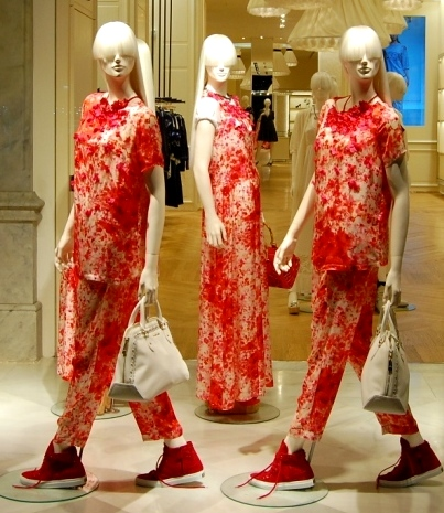 TWIN-SET SIMONA BARBIERI PASEO DE GRACIA ESCAPARATE TEVIAC #simonabarbieri #escaparate #spring #april (1)