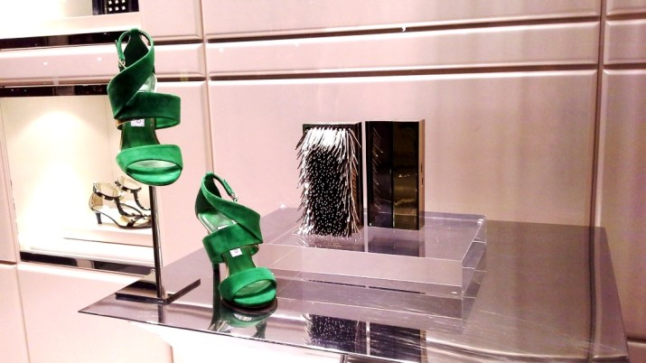 JIMMY CHOO ESCAPARATE BARCELONA LUXE www.teviacescaparatismo.com (2)