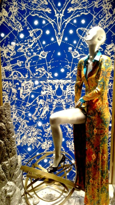 la-perla-escaparate-paseo-de-gracia-barcelona-escaparatismo-escaparate-aparador-windowdresser-vetrina-escaparatelover-shopping-13