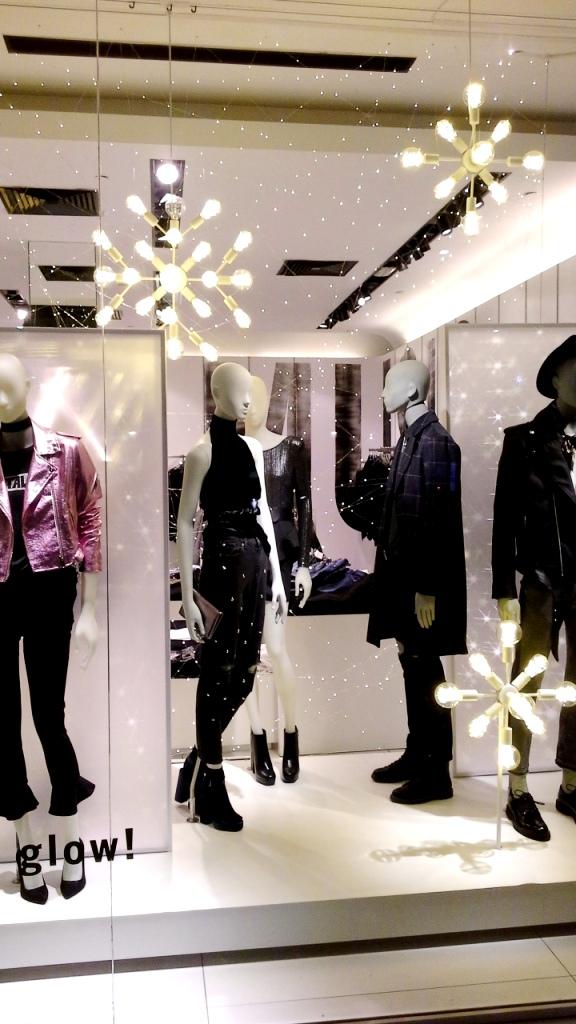 bershka-escaparate-paseo-de-gracia-bershka-escaparatismo-fashionblog-fashionista-shoppingfashion-moda-aparador-1