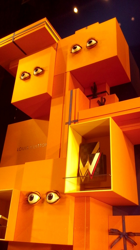 #louisvuitton #escaparatebarcelona #escaparatismobarcelona #escaparate #escaparatista #spring #fashion (5)
