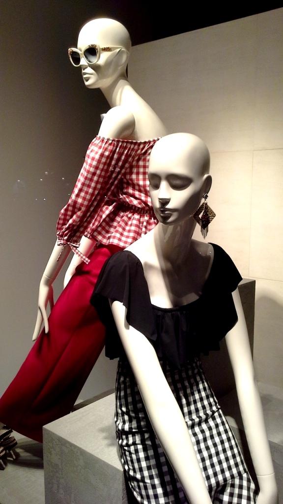 #uterque #escaparatebarcelona #escaparatismobarcelona #teviac #escaparatelover #fashion #influencer #personalshopper #ecommerce #moda (9)