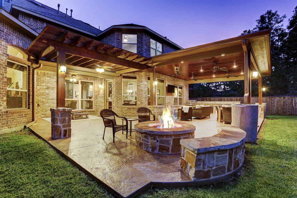Outdoor Projects Using Cedar Finishes - Texas Custom Patios on Custom Backyard Designs id=72992