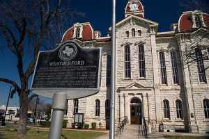 Weatherford , TX courthouse