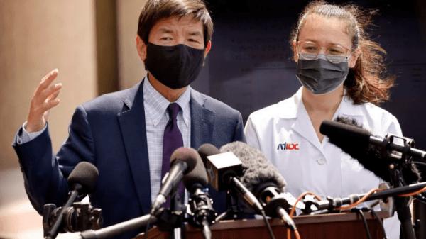 Dr. Philip Huang (left) and Dr. Emma