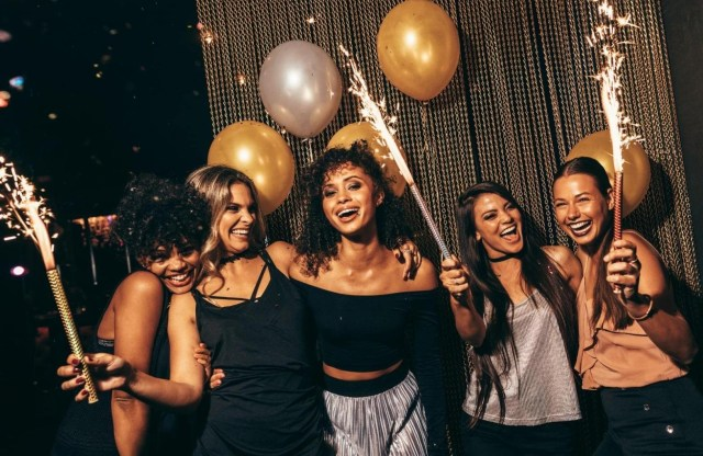 Single Girl's Guide To Navigating New Year's Eve