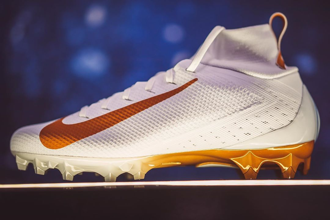 UT to Wear New Football Cleat Options