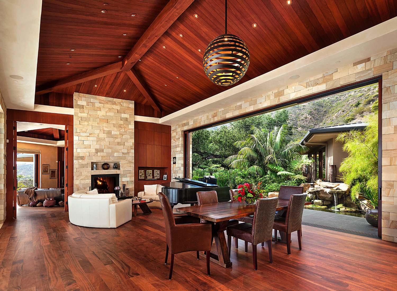 Indoor-outdoor living overlooks Pacific Ocean on Indoor Outdoor Living Spaces id=79334