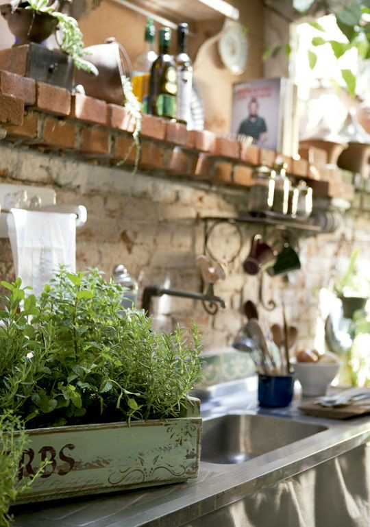 Πώς να διακοσμήσετε την κουζίνα σας με βότανα9