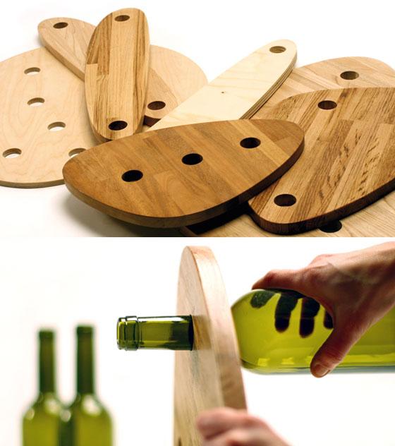 Τραπέζι κατασκευασμένο από ξύλο και γυάλινα μπουκάλια4