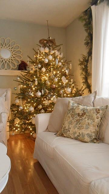 χρυσάφι Και Λευκές Χριστουγεννιάτικες Ιδέες22
