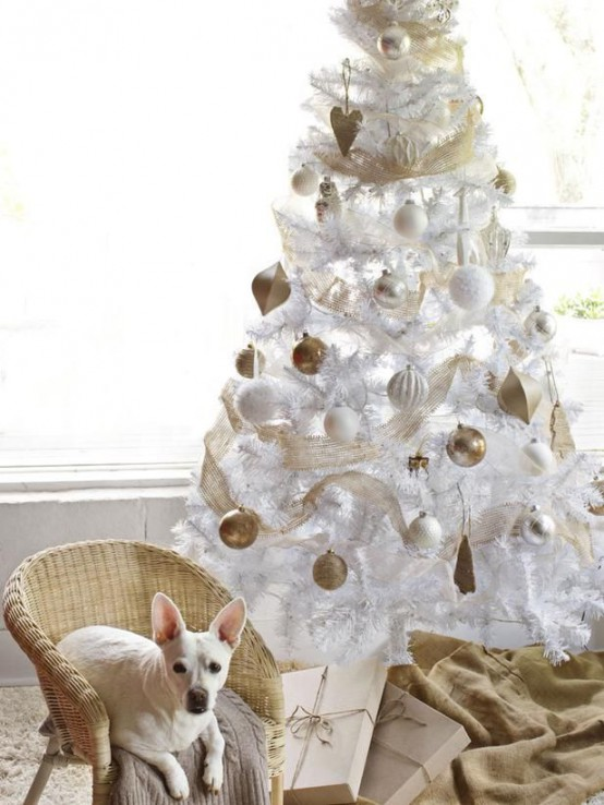 χρυσάφι Και Λευκές Χριστουγεννιάτικες Ιδέες34