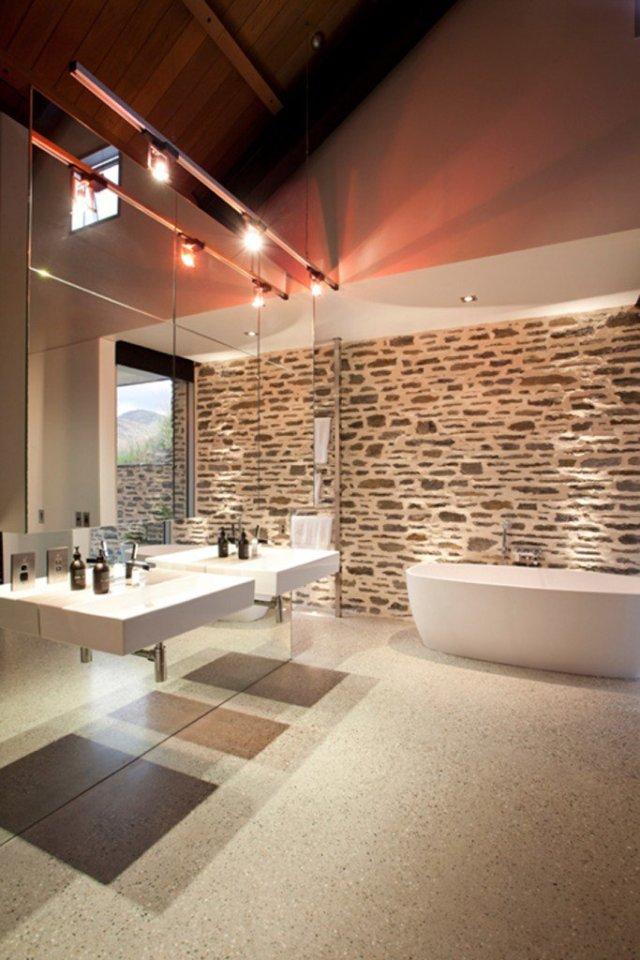 Ζεστά Σχέδια Μπάνιου με πέτρινους τοίχους16