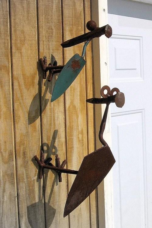 παλιά εργαλεία σε διακοσμητικά κήπου9