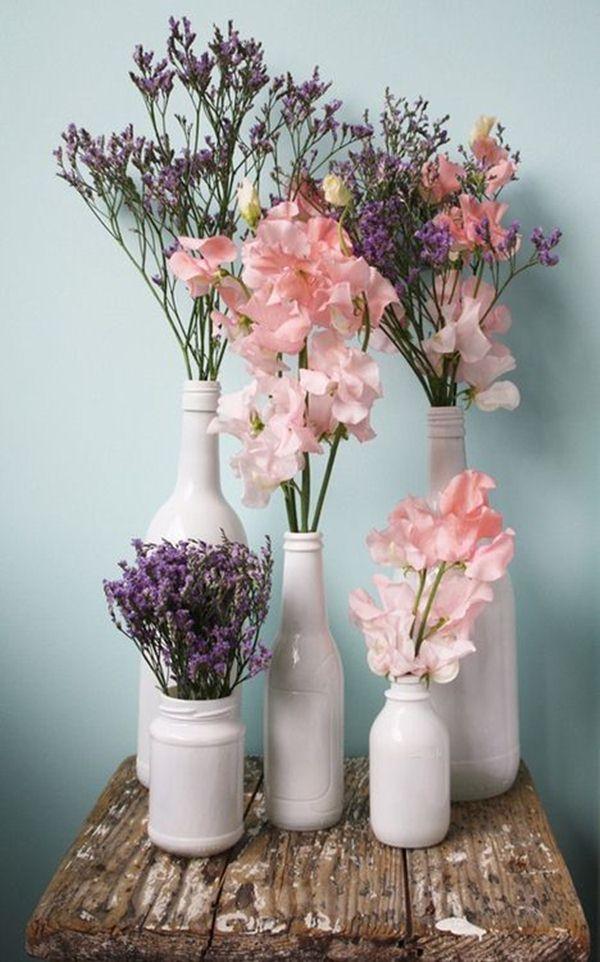 Διακοσμήστε με γυάλινα μπουκάλια και λουλούδια10