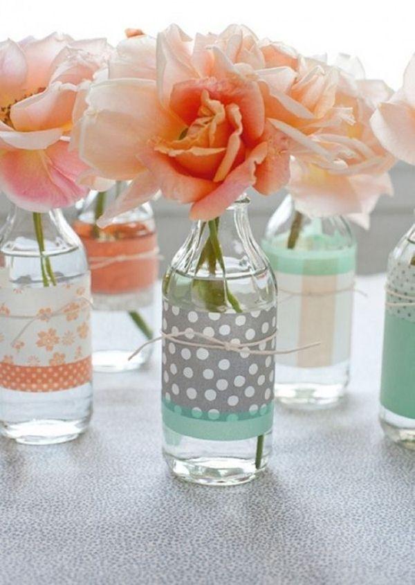 Διακοσμήστε με γυάλινα μπουκάλια και λουλούδια4