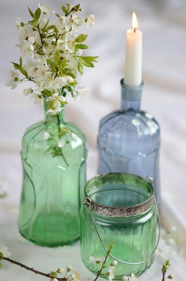 Διακοσμήστε με γυάλινα μπουκάλια και λουλούδια7