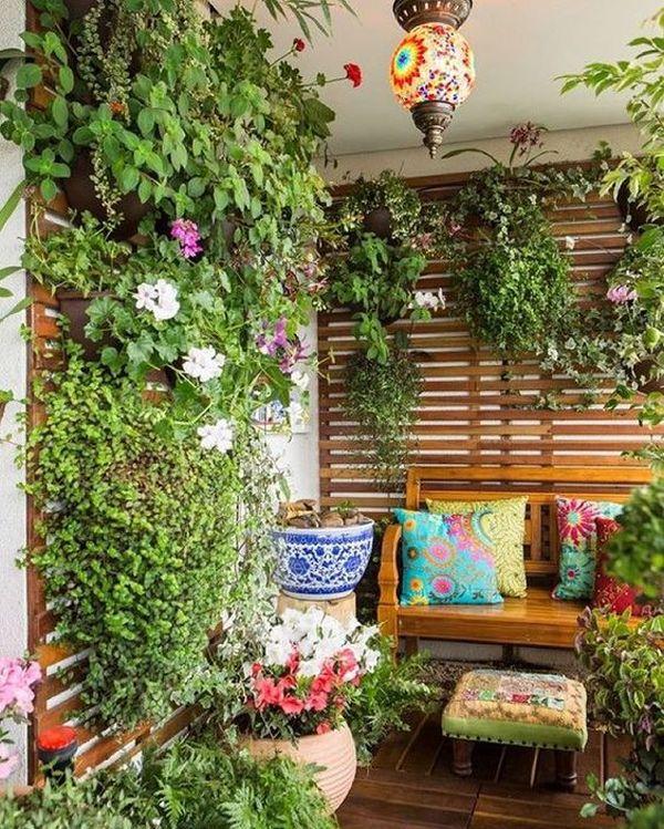 κήπος με λουλούδια στο μπαλκόνι1