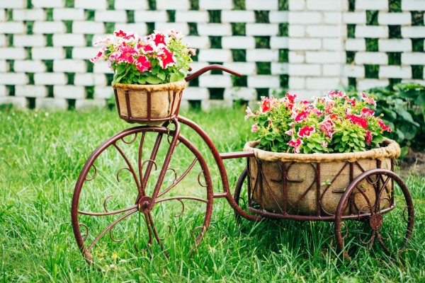 Ιδέες για γλάστρες με παλιά ποδήλατα17